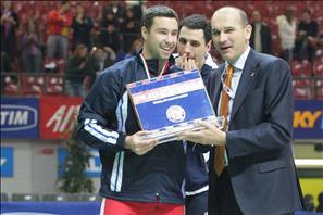 Hubert Henno riceve il premio come MVP del TIM All Star Volley